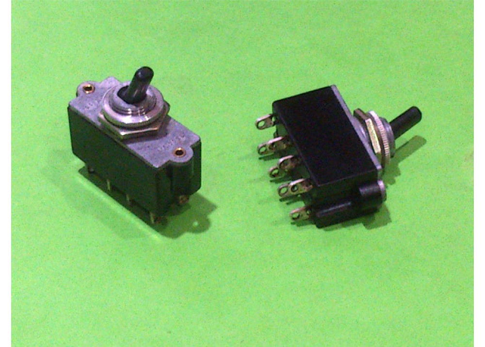 TOGGLE SW  220V 6A 8P ON OFF