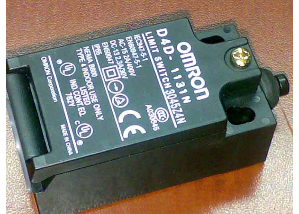 LIMIT SWITCH  Omron D4D-1131N 15A 400V AC