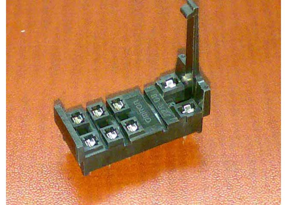 RELAY SOCKET OMRON PCB 8P
