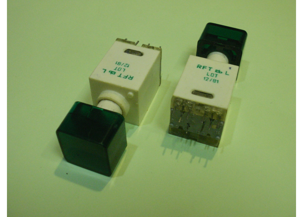 Green  Momentary Push Button Switch Panel  12mm 8P