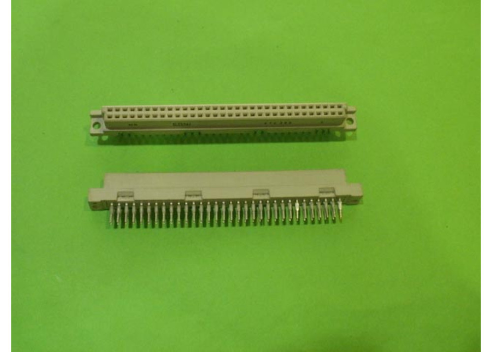 DIN 64P FEMALE STRAIGHT ANGLE 5650860-5