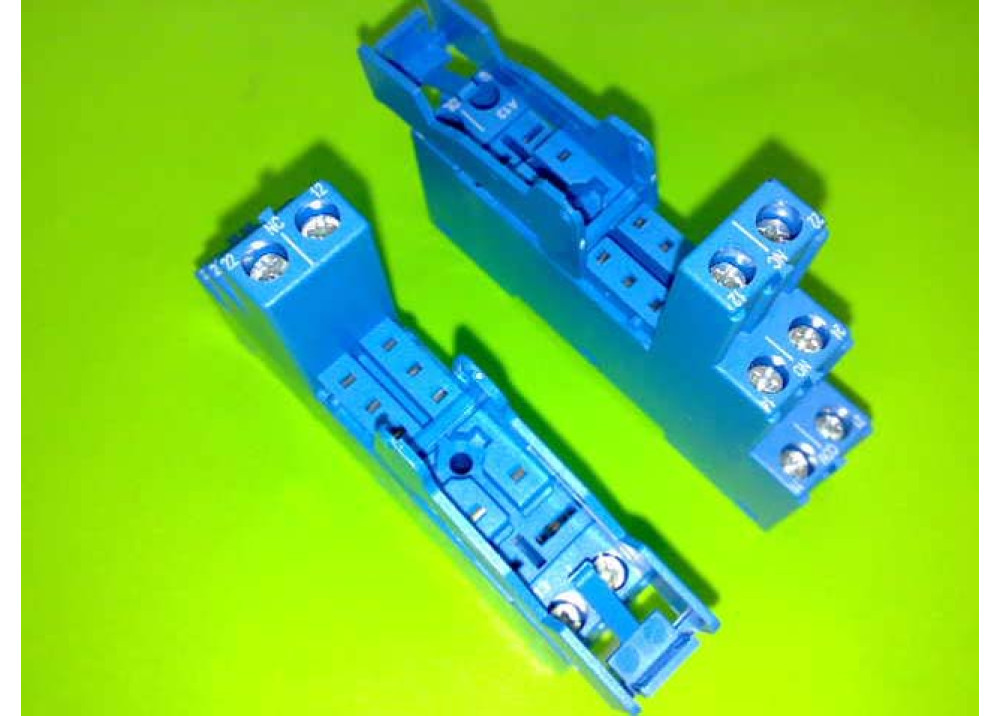 RELAY SOCKET FINDER 8P 95.05 SPA